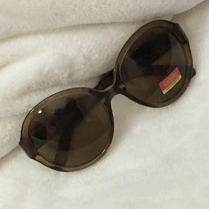 6b636c3f21aa4 Catherine Malandrino Accessories - brown Catherine Malandrino round  sunglasses